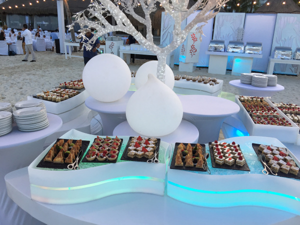 White night sweets and treats by Lovethesun