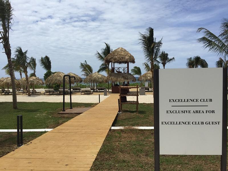 Access to EC Beach area