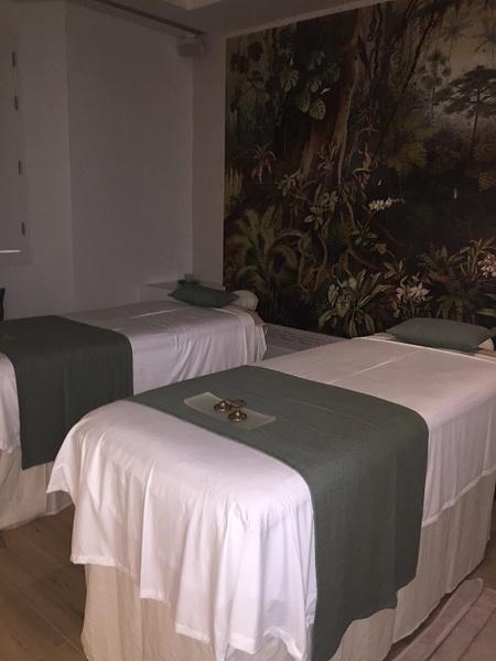Massage room by Lovethesun