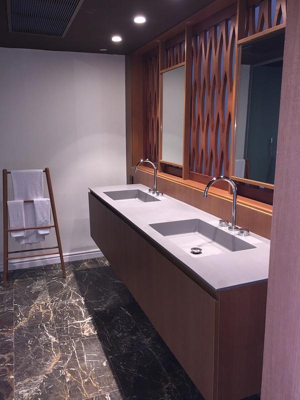 Junior Suite with private pool bath
