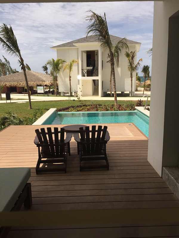 JS with private pool living area