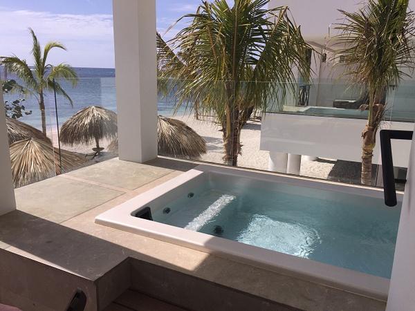 Beach House Plunge pool by Lovethesun
