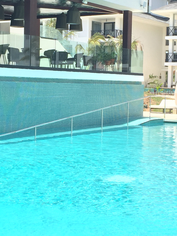 Handicapped access to main pool