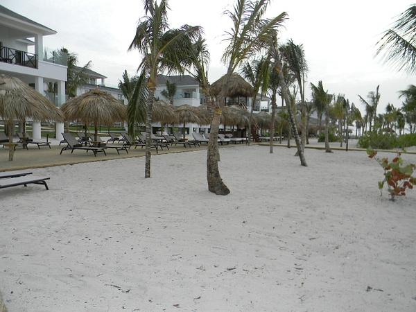 EC Beach area near Cielo Bar by Lovethesun