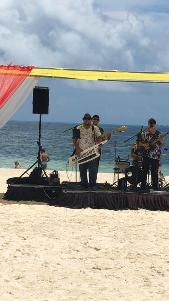 Live Music on the Beach by Lovethesun