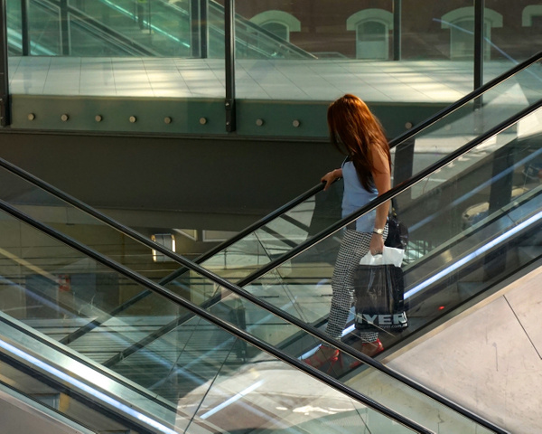 Woman in Perth Train Station - Jean Karlik - 2016 Showcase Competition - The Yerba Buena Chapter of the PSA