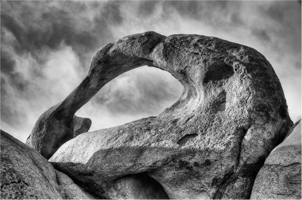 Mobius Arch Alabama Hills-Joan Field, APSA, 077819 - 2017 Showcase Competition - The Yerba Buena Chapter of the PSA