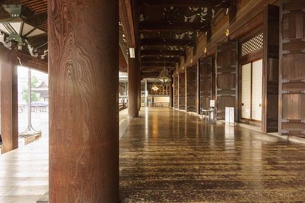 20131102A-KyotoWorldLargestWoodBldg-19 by RicThompson