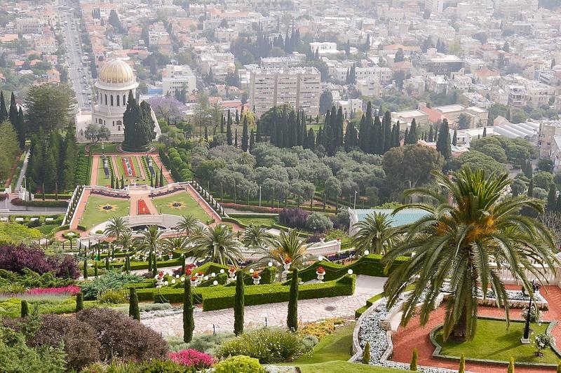 20130430B-Haifa-Baha'IShrineGardens-33