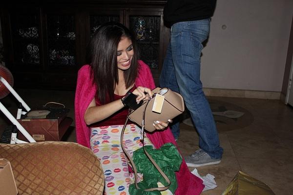 her new purse by JosueMelchor33215