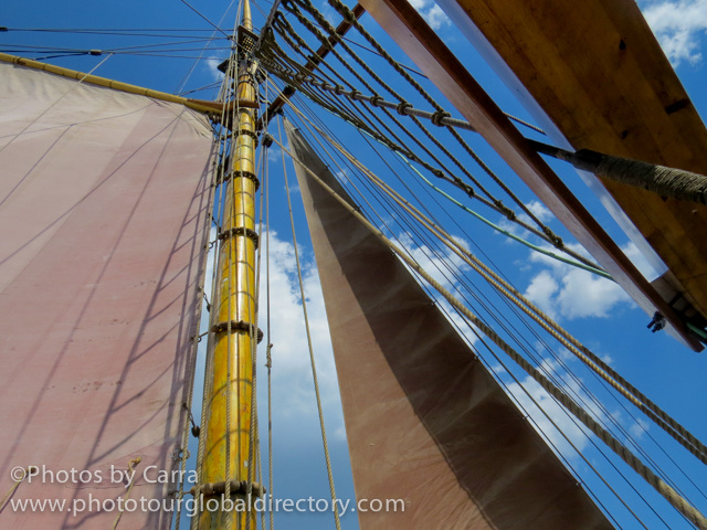 E Sails up