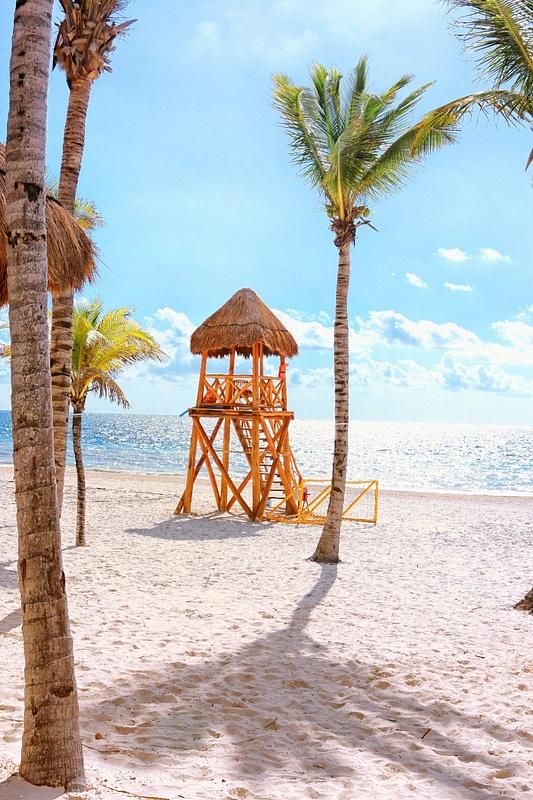 Beach in front of Las Olas