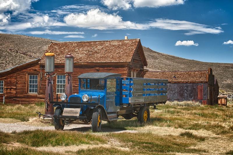 1.Blue Truck