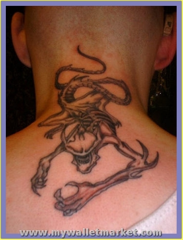 crawling-alien-tattoo by catherinebrightman