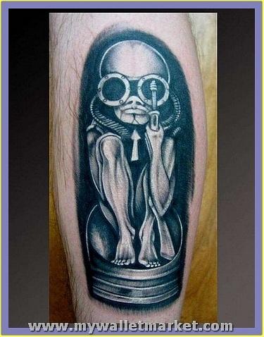 cool-black-ink-alien-tattoo