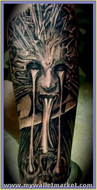 mind-blowing-giger-alien-tattoo