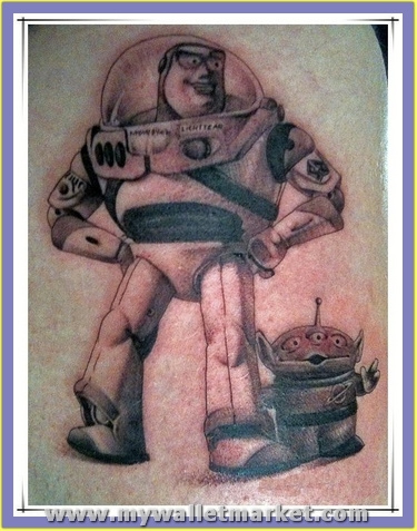 standing-aliens-tattoo by catherinebrightman