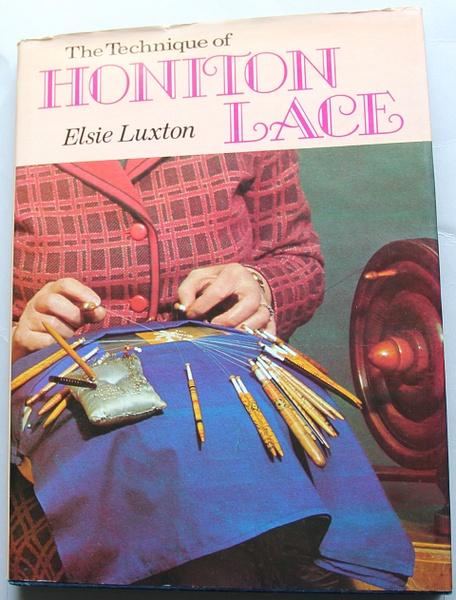 TechniqueofHonitonLace_Luxton_$14.50_Cover by DanielleHoren