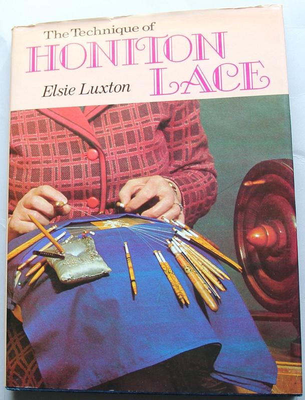 TechniqueofHonitonLace_Luxton_$14.50_Cover